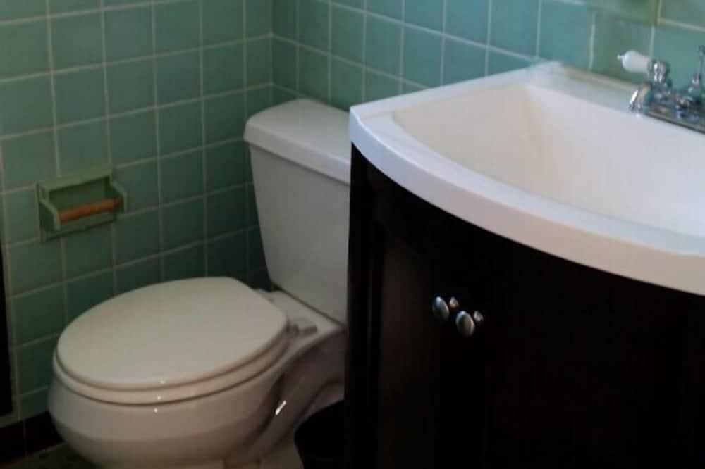 Standard-studio, 1 suuri parisänky - Kylpyhuoneen pesuallas