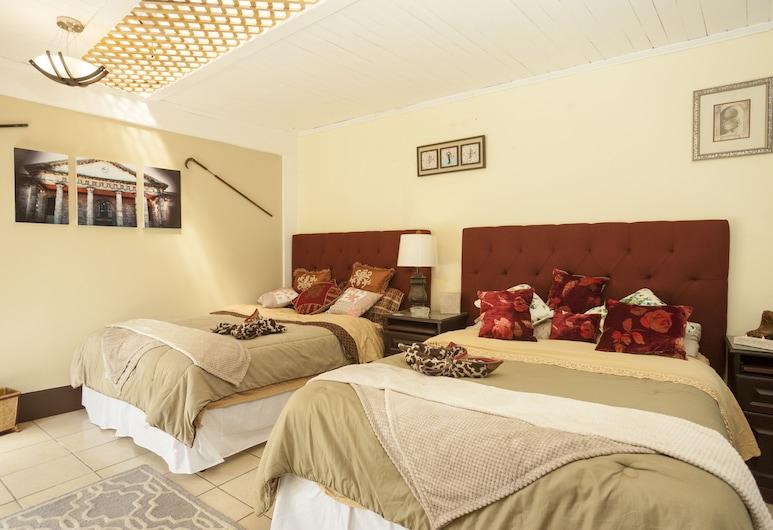 """Hotel Boutique """"Casa las Flores"""", Quetzaltenango, Clock Room, Guest Room"""