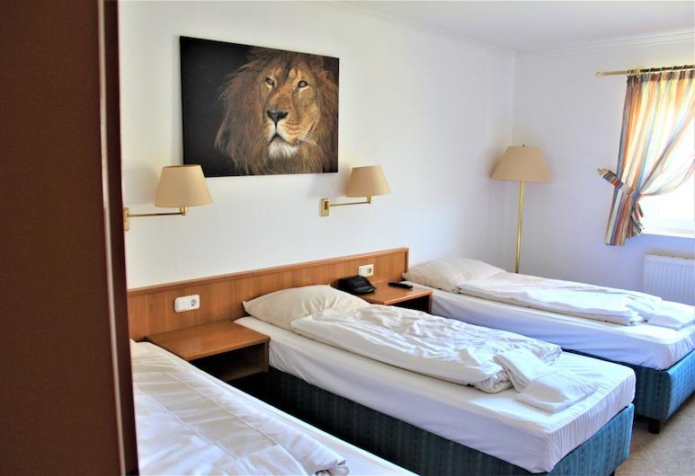 Hotel Alsterquelle, Henstedt-Ulzburg, Habitación triple, Habitación