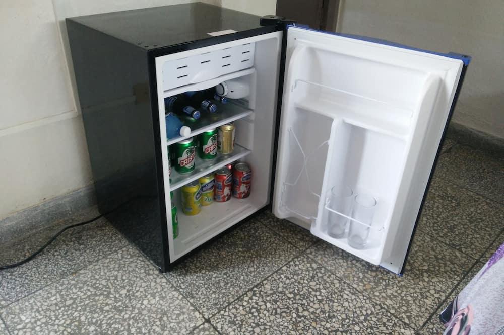 Classic Triple Room, 1 Bedroom, Terrace, Corner - Mini Refrigerator