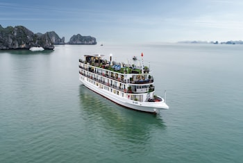 Picture of Margaret Cruises in Halong