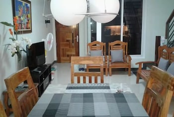 Slika: Alliyah's Townhouse ‒ Quezon City