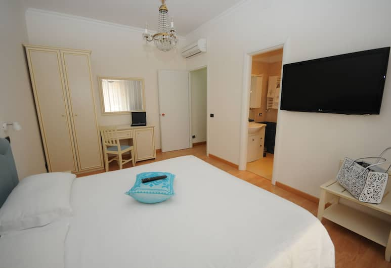 Roma Tiburtina Station, Rome, Double or Twin Room, Guest Room