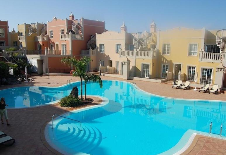 Elegant Palm Mar Apartment, Arona, Alberca