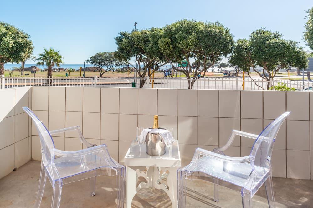 Luxury Apartment, 2 Bedrooms, Balcony, Ocean View - Balcony