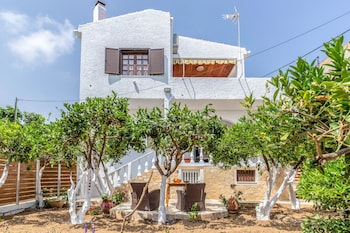 Picture of Charming Agia Pelagia Green House in Malevizi