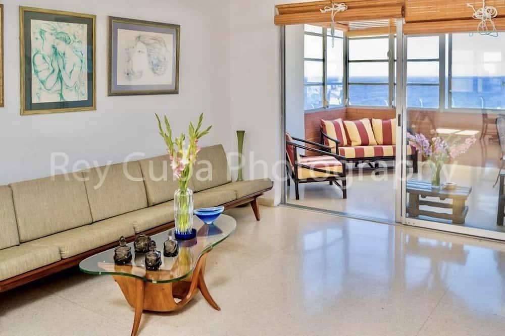 Pilsētklases dzīvokļnumurs, četras guļamistabas, skats uz jūru - Terase/iekšējais pagalms