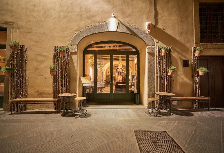 Residenza d Epoca la Basilica, Florence, Hotel Entrance