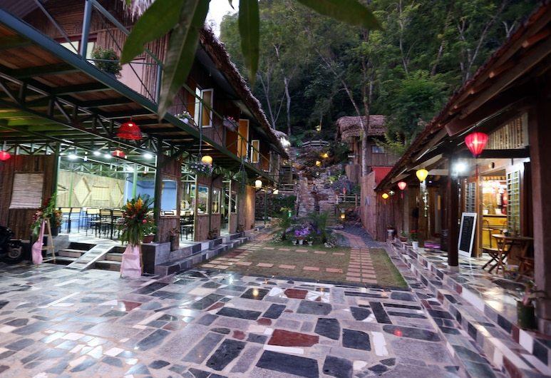 Green Hill Hostel & Homestay, Ha Giang, Property Grounds