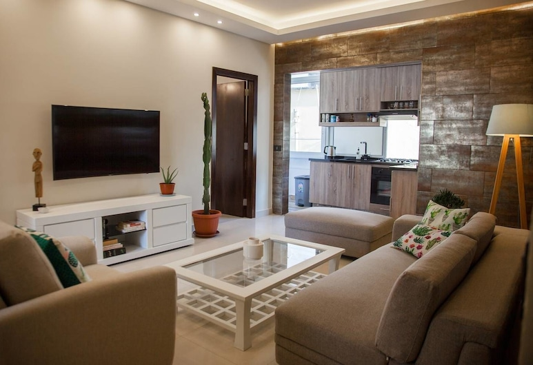 Achrafieh Spacious 2BD apartment, Beirut, Familienapartment, 2Schlafzimmer, Wohnbereich