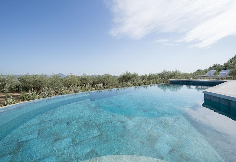 Luxury Villa The Olive Retreat, Pylos-Nestoras, Piscina Exterior