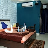Deluxe Room, 1 Bedroom, Executive Level - Living Room
