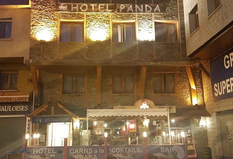 Hotel Panda, Pas de la Casa