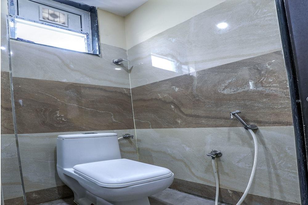Standard-Doppel- oder -Zweibettzimmer - Badezimmer