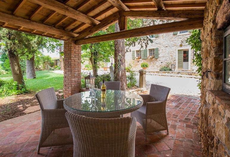 Antica Corte , Soave, ארוחה בחוץ