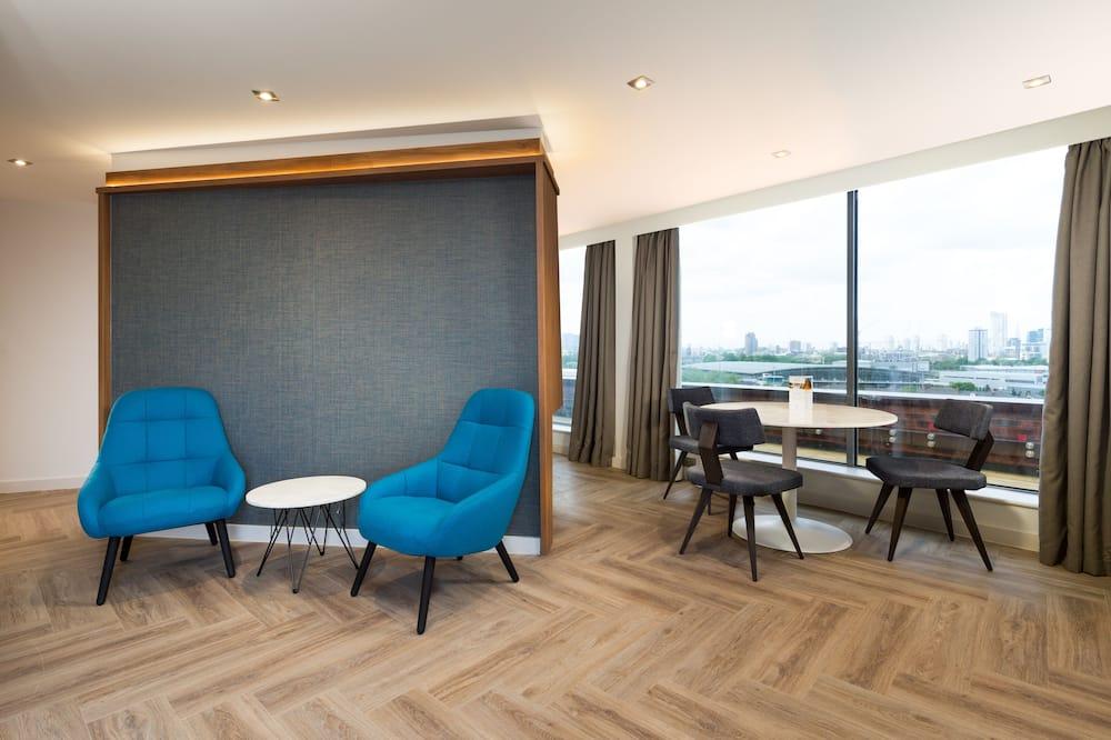 Panoramic Studio Suite - In-Room Dining