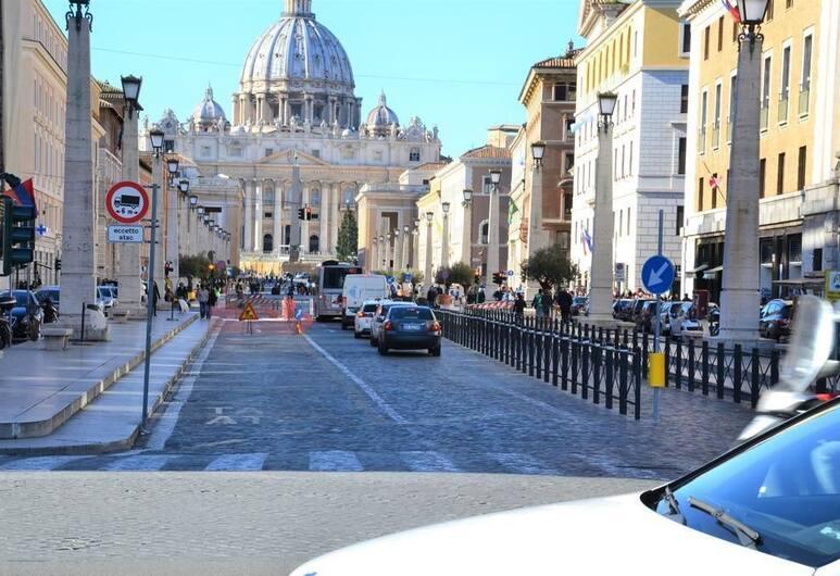 Sughero Suites, Roma, Esterni