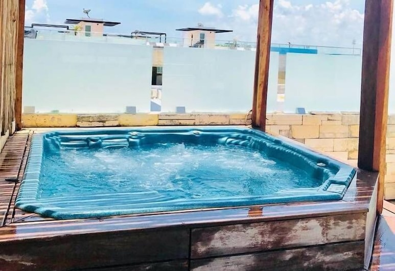 Penthouse 5th Ave Rooftop + Jacuzzi, Playa del Carmen