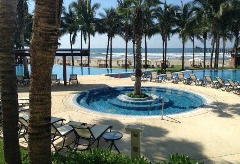 4BR Beautiful Apartment in Acapulco Diamante, Acapulco, Vanjski bazen