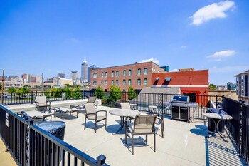 Picture of Mid-Century Modern 2BR Apt with VIews in Indianapolis