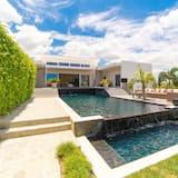 Casa Corazon: 5-Bedroom Villa with Priva - Garden View
