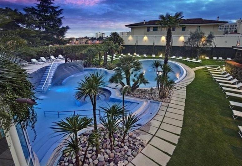 Hotel Quisisana, Abano Terme, Outdoor Pool