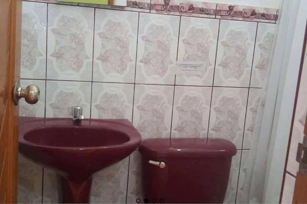 Camera con letto matrimoniale o 2 letti singoli, bagno privato - Bagno