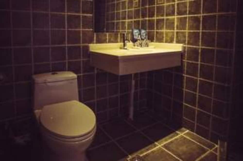 Design Triple Room - Bathroom