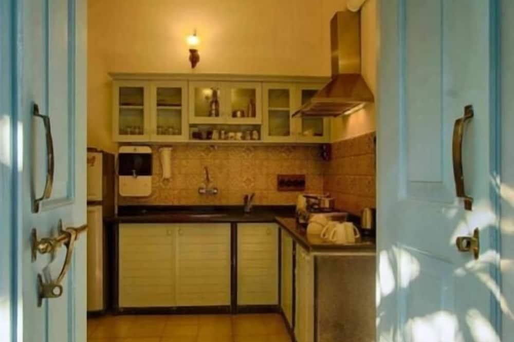 Standard Villa - Shared kitchen