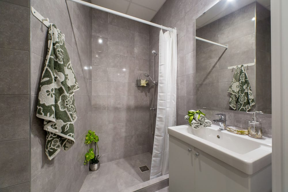 Studio typu Comfort, dvojlůžko (180 cm) - Koupelna