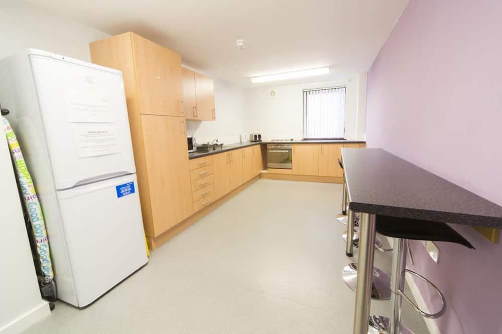 Egyágyas szoba (Disability Access ) - Közös használatú konyha