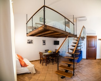 Picture of Vilagos Apartments in Taormina