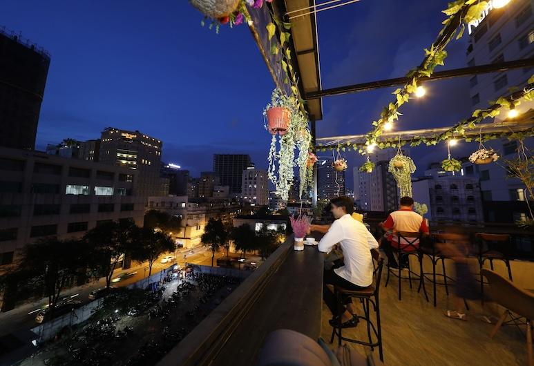 Peace Hotel & Apartment, Bandar Raya Ho Chi Minh, Tempat Makan