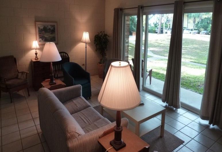 Atlantic Breeze #3 2 Bedroom Apts, Jekyll Island, Apartment, 2 Bedrooms, Living Area
