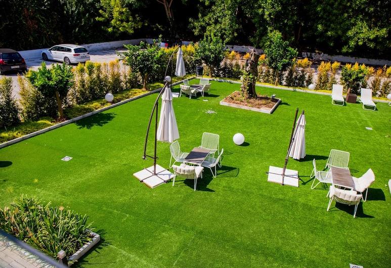 Dimona Suites, Torremolinos, Property Grounds