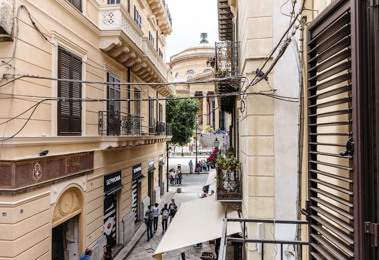 Casa al Teatro Massimo, Palermo