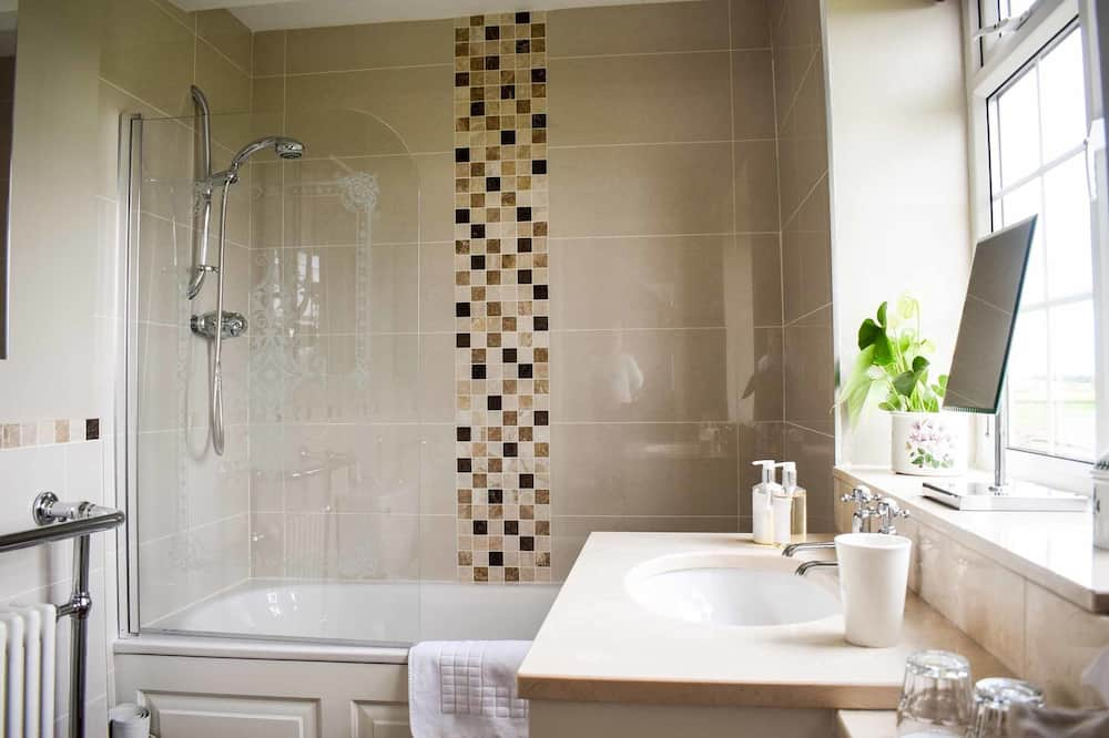 Double or Twin Room (White Horse ) - Bathroom
