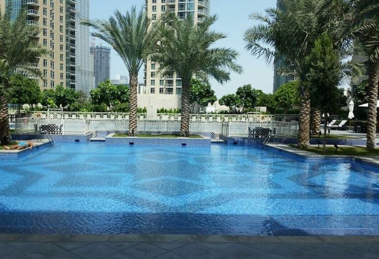New Arabian Holiday Homes - 29 Boulevard, Dubai, Outdoor Pool