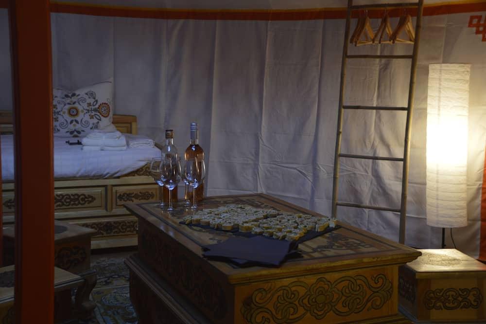 Çadır (Yourte Moron) - Oturma Odası