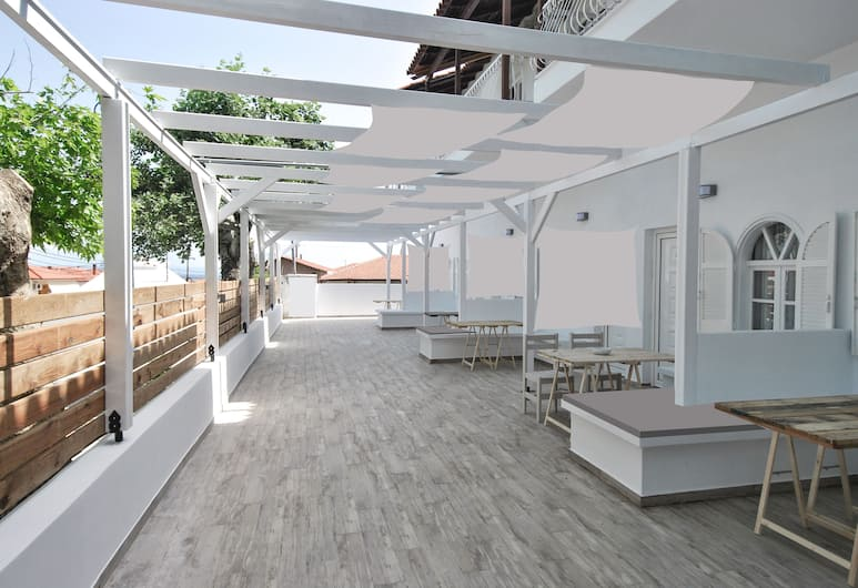 Imeres Studios & Apartments, Kassandra, Apartament typu Deluxe, Taras/patio