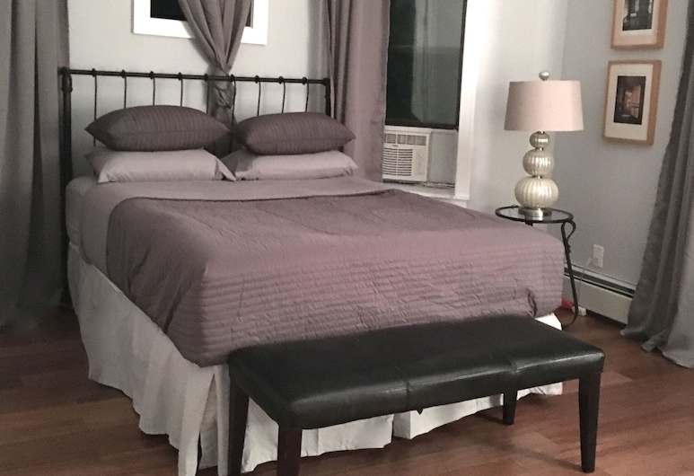 The Crown, Brooklyn, Condo, Multiple Beds, Non Smoking, Room