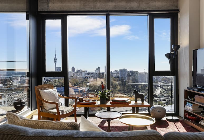 Modern Apartment With Amazing Views - by Urban Butler, Auckland, Apartment, 1 Queen Bed, Living Area