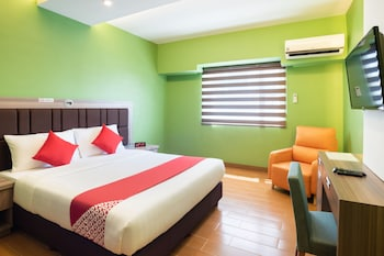Foto OYO 196 Destiny Hotel di Makati