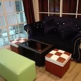 4-Bedroom House - Living Room