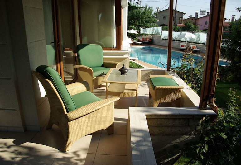 Parla Viens Suites, Дариджа, Королівський номер-люкс, з видом на басейн, Житлова площа