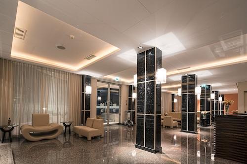 本古耶拉艾烏飯店/