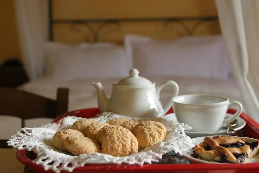 Dvojlôžková izba - Izbový servis – jedlá