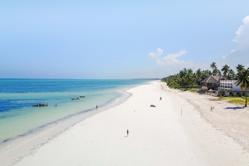 美麗島嶼桑給巴爾海灘渡假村/