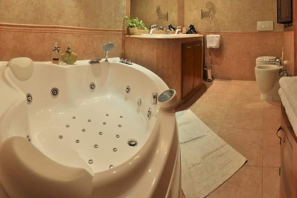 Double Room, Jetted Tub - Jetted Tub