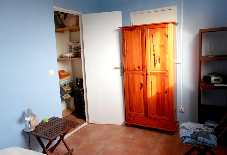 Apartment With 2 Bedrooms in Le Gosier, With Enclosed Garden and Wifi - 400 m From the Beach, Le Gosier, Room